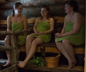 Enjoying Sauna by the lake, Foto: Satu Mali, Hawkhill Nature