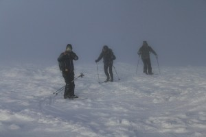 Midwinter-skiing-on-fells-of-Lapland