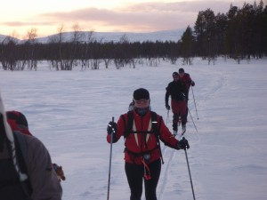 Sunset-skiing-in-lapland
